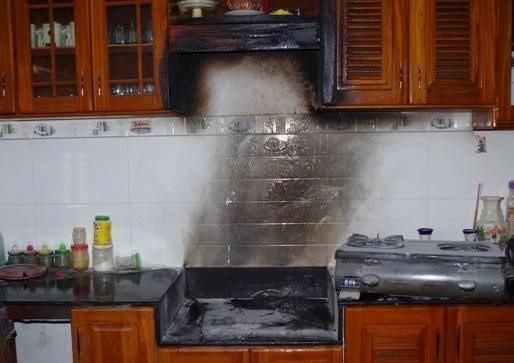 cháy bếp gas do sử dụng bình kém chất lượng