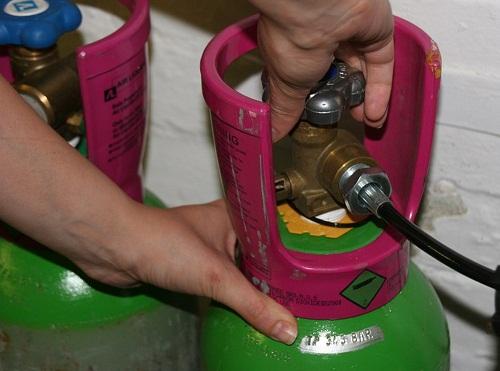 Cháy nổ khí gas do không khóa van gas sau khi sử dụng
