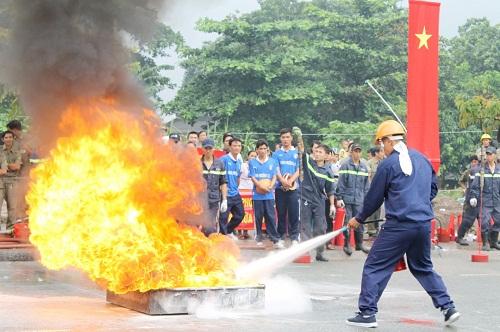 Tham gia các buổi tập huấn xử lý khi bị cháy nổ khí gas
