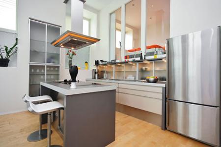 máy hút mùi ống khói phù hợp với căn bếp rộng
