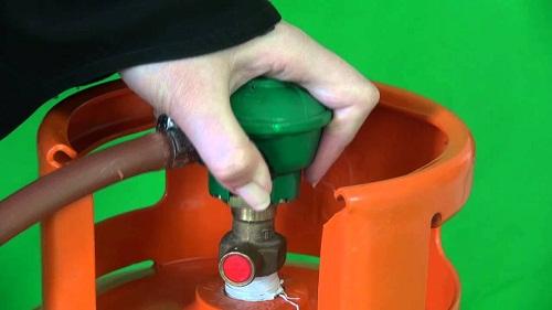 Hướng dẫn thực hiện quy trình đóng – mở van gas đúng kỹ thuật