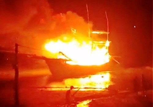 Nổ gas trên tàu cá Thanh Hóa