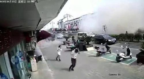 Vụ nổ gas khiến nhiều người hoảng hốt