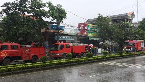 Xe cứu hỏa kịp thời có mặt tại hiện trường vụ nổ lớn