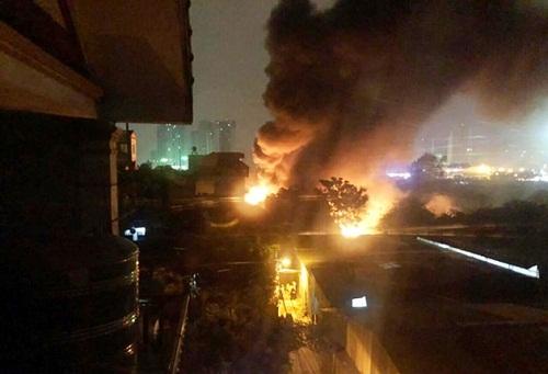 Vụ cháy 4 nhà xưởng tại Nam Từ Liêm